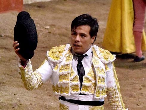 MANOLO GUEVARA